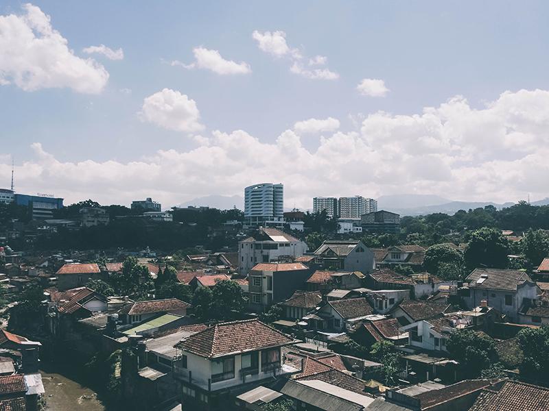 Ich bin kein Tourist: Der etwas andere Alltag in Bandung.